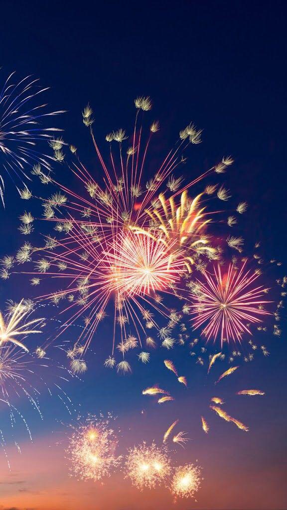 25+ unique Fireworks b...