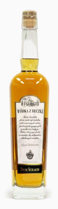 Wódka z Beczki Dwór Sieraków Sierakow Mansion Cask Vodka produced from rye, corn and barley grains and aged in oak white wine casks