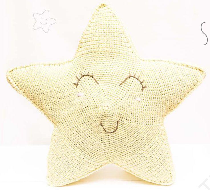 Kijk wat ik gevonden heb op Freubelweb.nl: een gratis haakpatroon van Katia om deze mooie ster te haken https://www.freubelweb.nl/freubel-zelf/gratis-haakpatroon-ster-2/