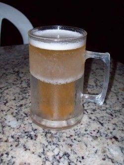 Cerveja Lupus Bier Chopp com Abacaxi, estilo Fruit Beer, produzida por  Cervejaria Caseira, Brasil. 3.5% ABV de álcool.