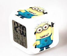 2015 vendite calde bella minion sveglia con 7 modifica dei colori sveglio del fumetto ha condotto l'orologio studenti orologio  (China (Mainland))