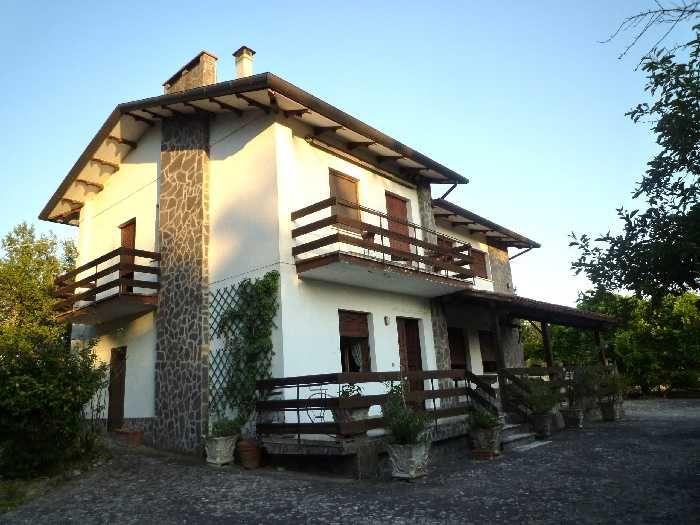 Villa/Casa singola CITERNA 220.000 € | 150 m2 | Camere 3 | Bagni 2