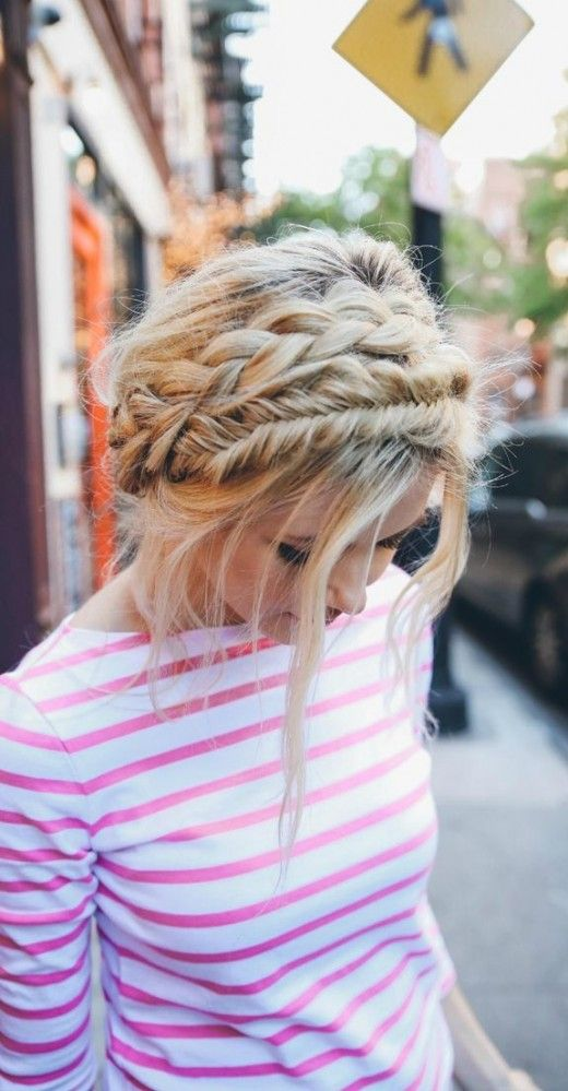 In love with this casual double braid crown!