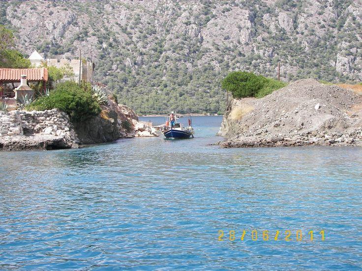 Yachting around Sykia