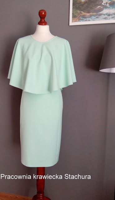 Pracownia krawiecka  Stachura : Miętowa sukienka z pelerynką