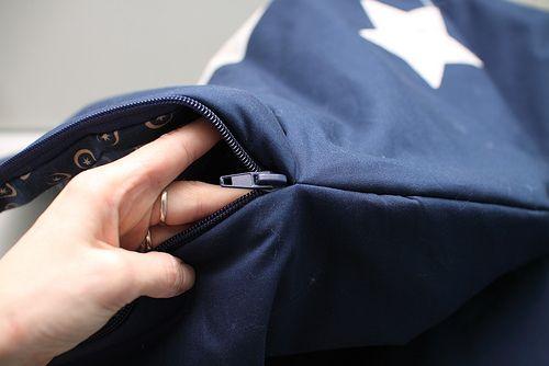 Les 171 meilleures images propos de couture sur pinterest sacs bacs tissu et tutoriels - Tuto gigoteuse sans fermeture eclair ...