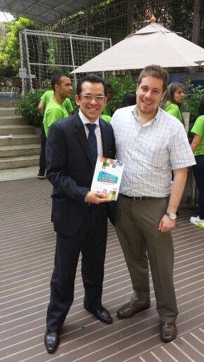 Con Andres Julian Gomez @andresjgomez autor del libro Estrategias de Internet y experto de Ecommerce