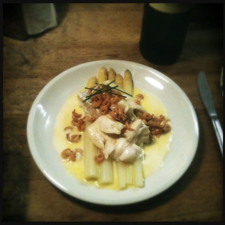 recept kabeljouw kabeljouwfilet asperges garnaaltjes grijze garnalen mousseline mousselinesaus vis koken keuken blog food