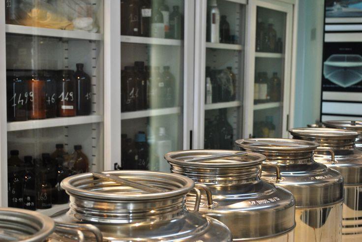 Laboratorio Bruno Acampora Profumi #laboratory #brunoacamporaprofumi #dovesicreanoiprofumi