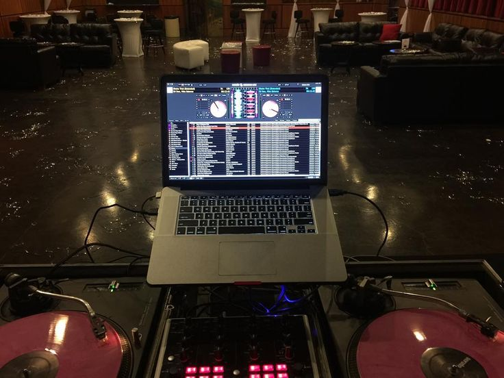 "I am In the mix tonight at ""Club One""downtown Fresno doors open at 10pm....drink specials dope beats till 2am... #music #beats #hiphop #house #serato #technics1200 #edm #trap #inthemix #vestax #scratch #turntablism #macbookpro15quadcore #club #dance #nightlife #marijuana #weed #downtownfresno #559 #california #dj #bpmsupremedj #faderflexn #djgame #og by weedcutz http://ift.tt/1HNGVsC"