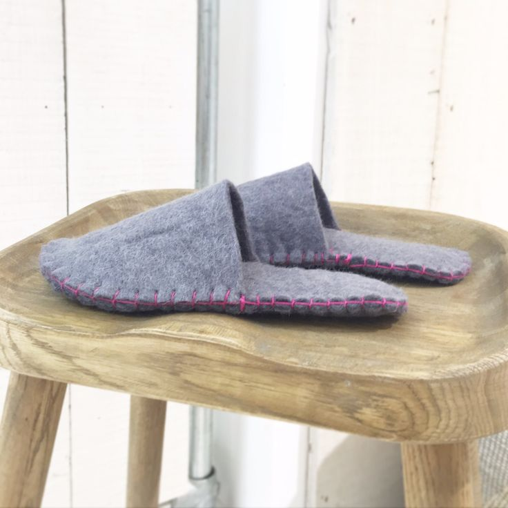 Last week I was invited along to a felt slipper making workshop by the lovely people at Loaf to celebrate the opening of their shiny new showroom in Battersea (more to come on the showroom later). …