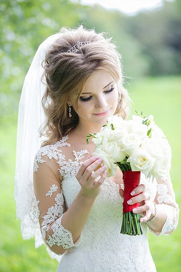 Образ невесты. Организация и проведение свадеб.   Свадебное агентство Александры Фукс http://aleksandrafuks.ru/portfolio/ #aleksandrafuks   #проведениесвадьбы #организациясвадебногомероприятия #организоватьсвадьбу #организаторсвадеб #свадебноемероприятиевмоскве #свадебноемероприятиемосква #красиваясвадьба #найтисвадьбу #свадьбаключ #ценаорганизациисвадьбы #заказсвадьбыподключ #свадьбаподключцена #сколькостоитсвадьбаподключ