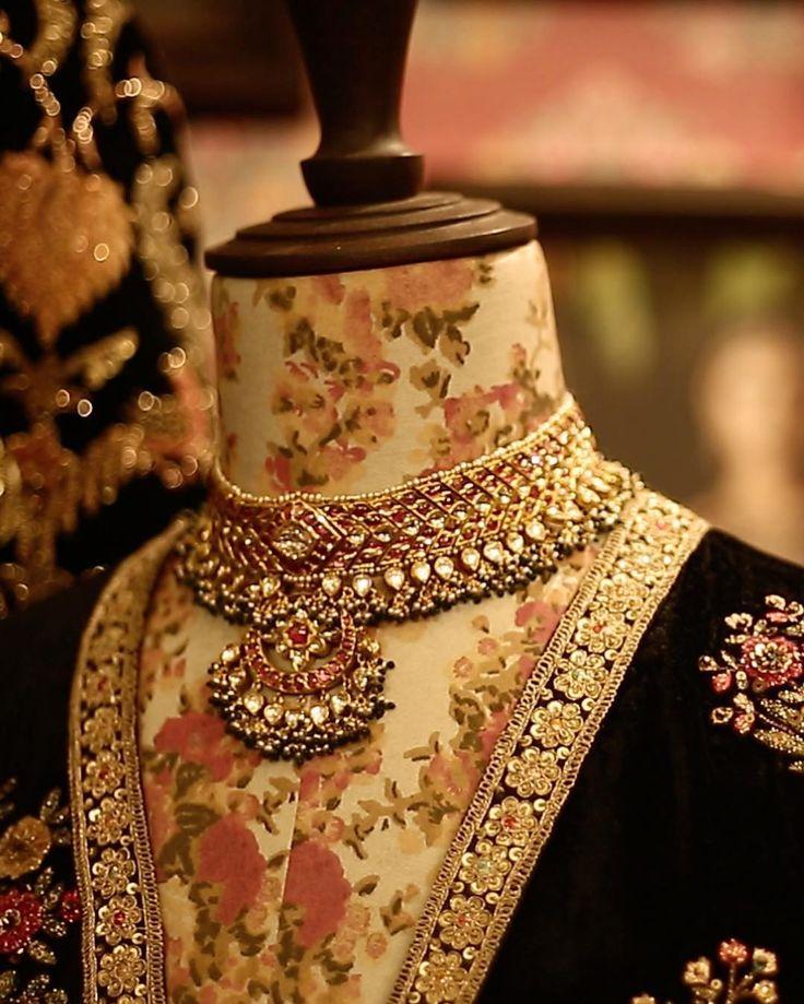 #Sabyasachi #KishandasForSabyasachi @kishandasjewellery at the #VogueWeddingShow @vogueindia #Jewellery #HandCraftedInIndia #TheWorldOfSabyasachi #NewDelhi #VogueIndia