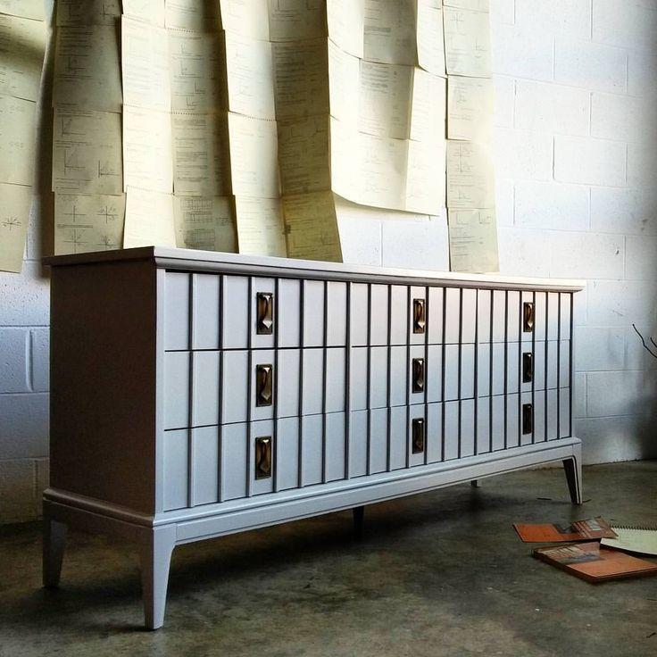 A light gray mid century dresser for a nursery in Connecticut. Color is Smoke Embers by Benjamin Moore. . .  #inthestudiotoday #customdesignmidcentury #customdesign #modernliving #contemporaryart #interiordesire #midcenturymodern #dccitystyle #acreativedc