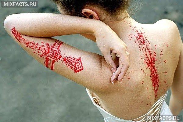 красные татуировки на теле значение
