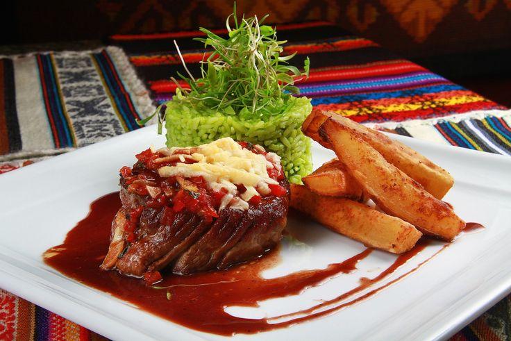 Descobrindo a culinária Nikkei: Como os ingredientes da gastronomia peruana e japonesa se unem para formar...