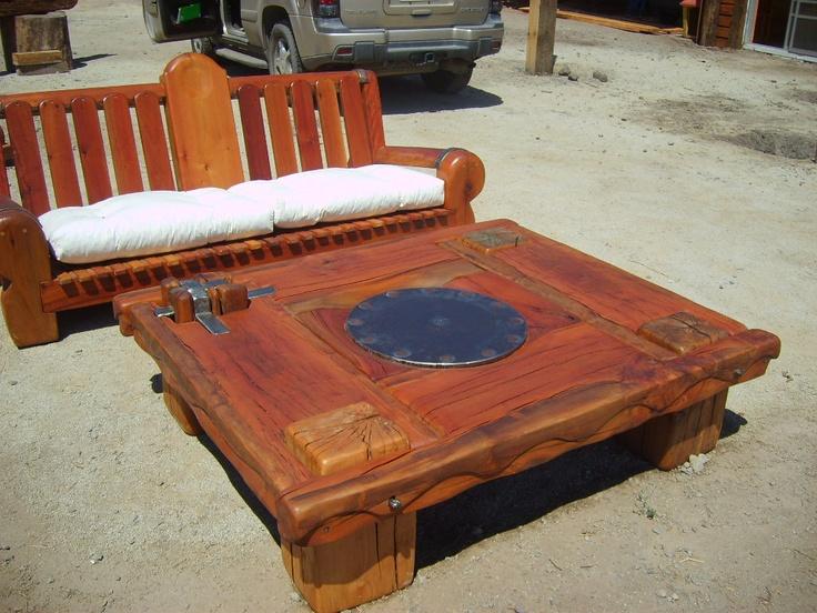 Mesa de centro de roble r stico con plato de fierro - Mesas de roble ...