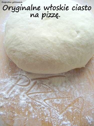 Oryginalne włoskie ciasto na pizzę.