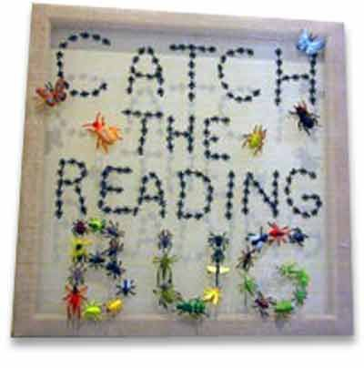 Catch the Reading Bug ... Letters of the words are made with plastic bugs - great spring library bulletin board