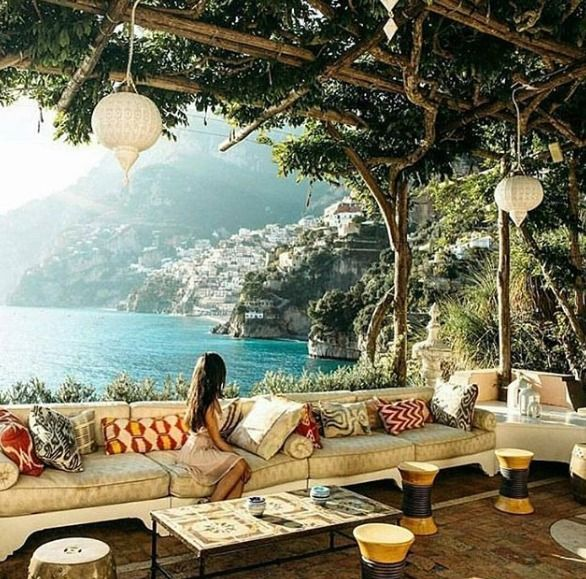 Probably the most romantic accommodations in Italy #luxuryhotelsitaly #positano #romantichotels #…
