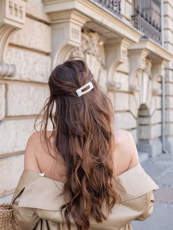 $9.99; Pearl Hair Clip is unquestionably a must-have this year. For you we have here the 2 most iconic styles appearing all the time in fashion bloggers' feeds! If you don't own one of these essentials yet, it's now time to get them for your accessories box! Material: Alloy & Acrylic pearl Package: Set of 2 #kamakulashop #pearlhairclip #Frenchgirlstyle #parisian #jewelrylovers