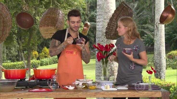 Lucas Lucco ensina receita de escondidinho de frango com batata doce http://gshow.globo.com/programas/estrelas/videos/t/programas/v/lucas-lucco-ensina-receita-de-escondidinho-de-frango-com-batata-doce/4479564/
