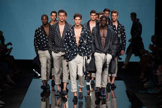 MMU S/S 2015 - Ermanno Scervino See all fashion show at: http://www.bookmoda.com/?p=17824 #summer #SS #catwalk #fashionshow #menswear #man #fashion #style #look #collection #milan #fashionweek #ermannoscervino @ermannoscervino