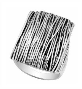 JanKuo Jewelry Silver Tone Woman Large Size Antique Silver Color Cocktail Ring with Gift Box JanKuo Jewelry. $19.99. Birthday, Wedding, Anniversary Gift Idea. Silver Tone. Woman Large Size. Antique Silver Color Cocktail Ring. JanKuo Jewelry