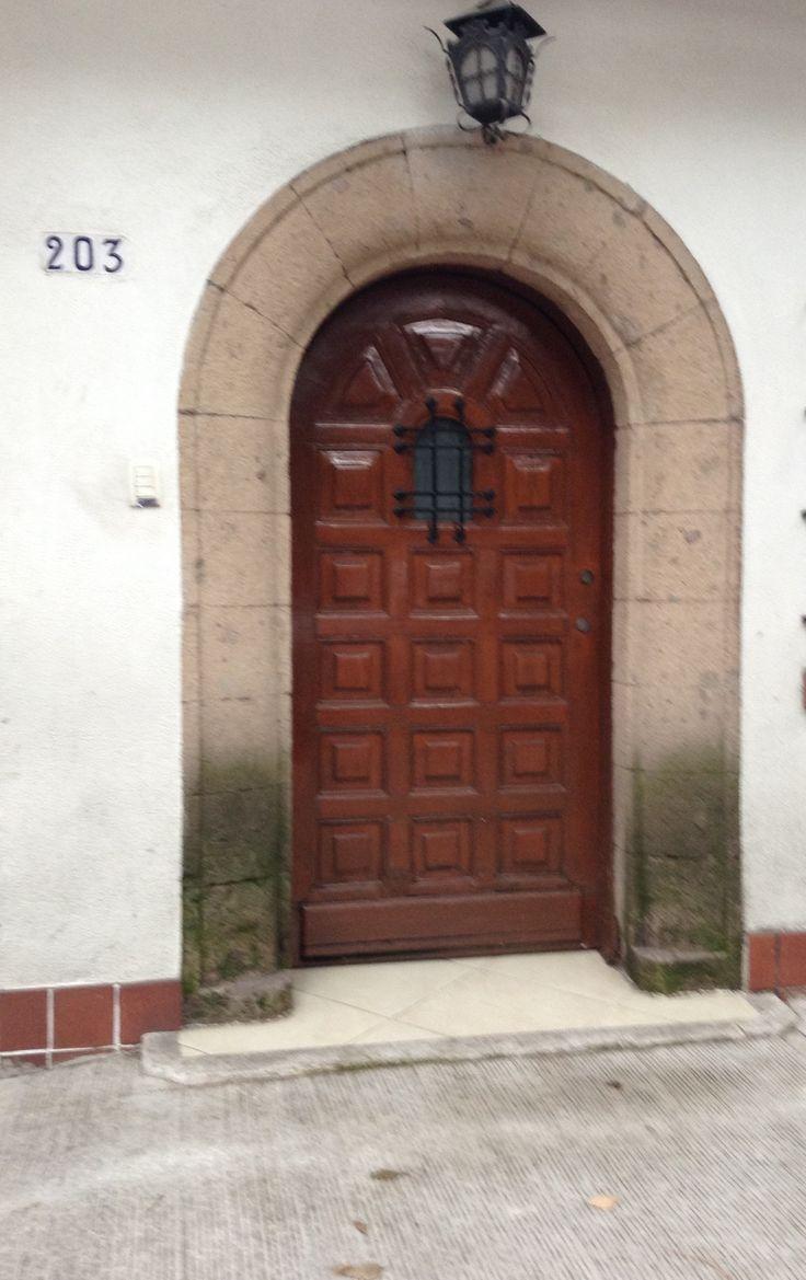 Puerta #203 Col. Nápoles