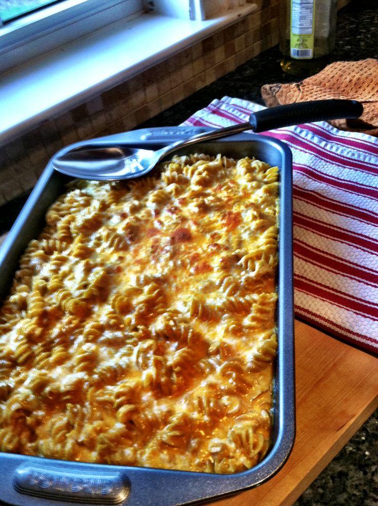 Lightened up pumpkin mac and cheese | dinner | Pinterest