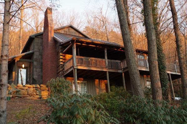 Top 25 ideas about cabin rentals near asheville nc on for Asheville mountain homes