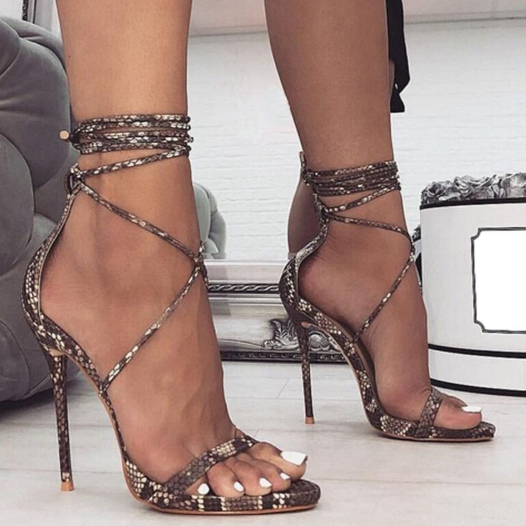 Sandales sexy à sangle croisée dessus imitation peau de serpent, talons hauts …