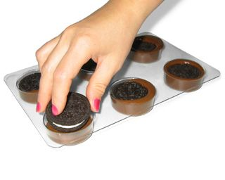 Chocolate Covered Oreos Tutorial: Embed Cookies