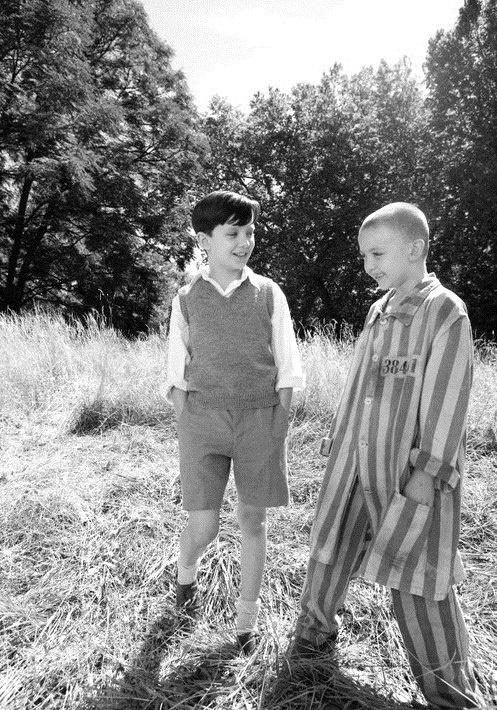 O menino do pijama listrado.