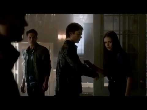The Vampire Diaries - Damon helps Elena after she hits her head ('Before...