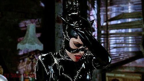 Hablando de supervillanos, la Gatúbela de Michelle Pfeiffer es LA Gatúbela. | 18 Pruebas de que 'Batman Regresa' es la mejor película de Batman jamás creada