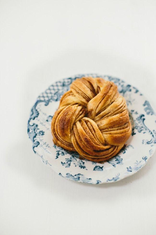 pumpkin spice braided knots | the vanilla bean blog