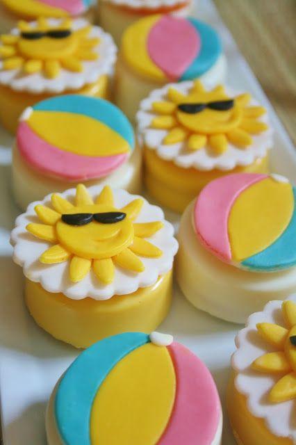 Sun & Beach Ball Cupcakes