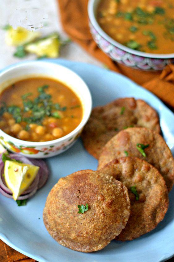 Multi grain masala pooris - these pooris are good even with plain yogurt. Make excellent travel food.