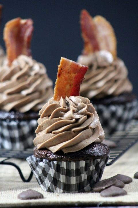 Double Chocolate Bacon Cupcake : tammileetips