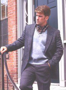Bond America® / Man's V-Neck Pullover