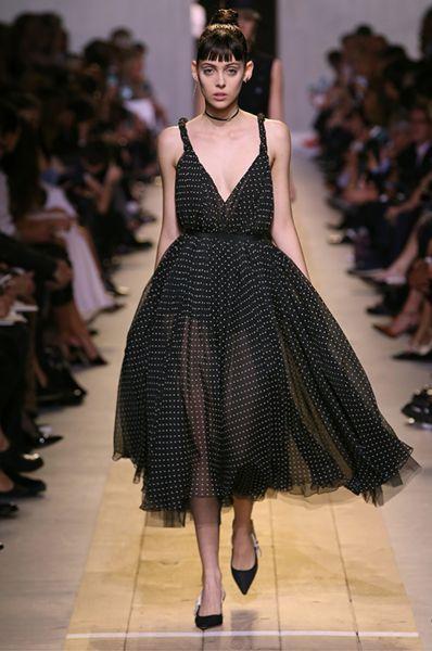 90 looks repérés à la Fashion Week de Paris pour la saison Printemps-été 2017 Image: 22