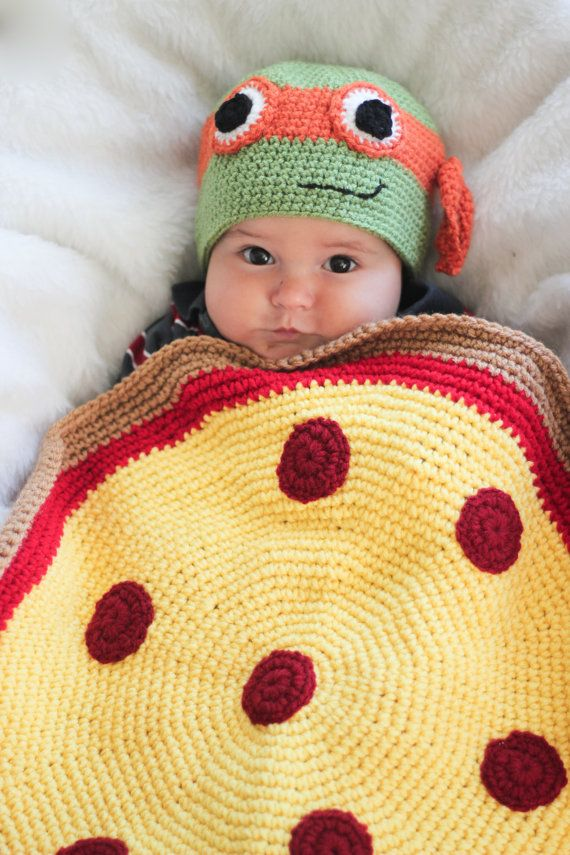 This adorable Ninja turtle hat and Pizza car seat blanket would be a perfect gift for a baby shower or just because!! Made with 100% acrylic