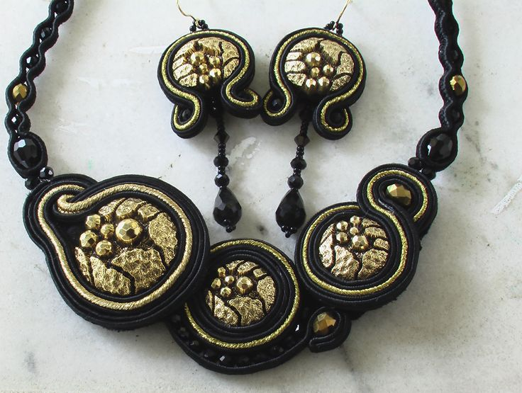 collana e orecchini in soutache... set of earrings and necklace (soutache)