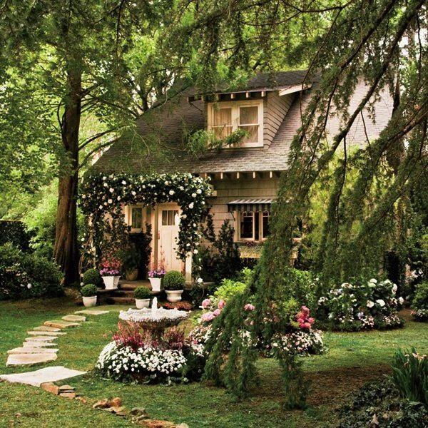 Great Gatsby | Baz Luhrmann | Set Design | Art Deco | Nick Carraway | Cottage Interior