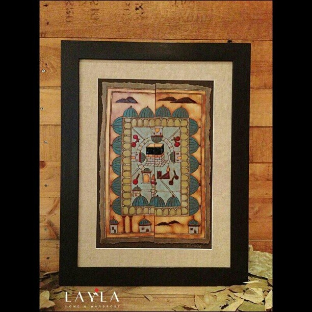 These hand made frames come in a variety of Abstract and Arab design forms..