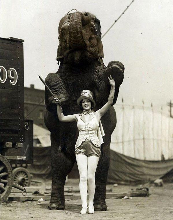 Circus Lady | Vintage Photography | Pinterest