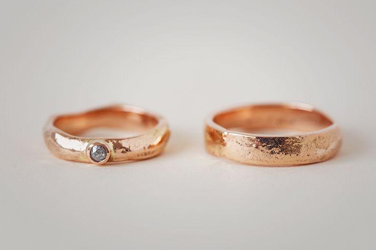WeddingRings. Rosegold, with Fancy Diamond.