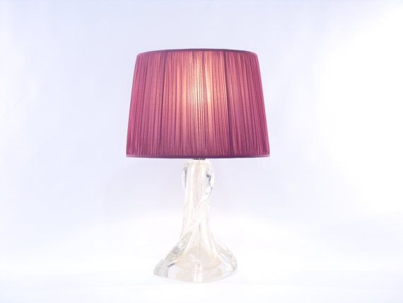 Special table lamp with twisted Murano glass base of the prestigious company Gabbiani in Venice. €1450,00
