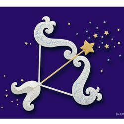 射手座・11月23日〜12月22日の誕生星座です。ペーパーレリーフ作品を撮影して印刷したポストカードです。3枚目の星座カード一覧の中からお好きな4枚を選んでください。同じカード4枚でも大丈夫です。ご購入の際、メッセージでご希望の星座名と枚数をお知らせ下さい。